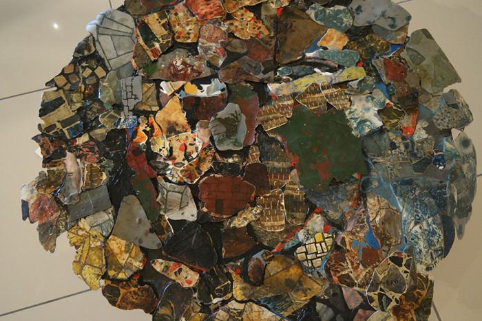 SELFIE_found-material,-oil-paint_90cm-radius
